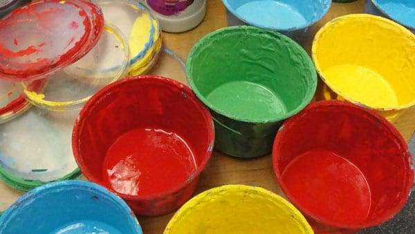 Best uses for tempera, watercolor and acrylic paints in the elementary art room.