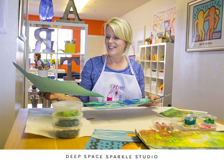 How Patty from Deep Space Sparkle selects, plans and creates her art lessons.